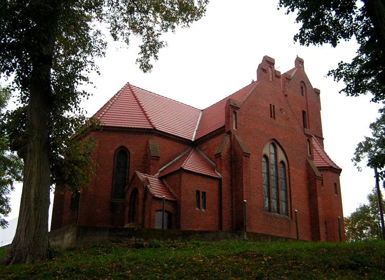 kościół w  chomętowie