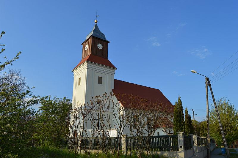 kościół w mierzęcinie