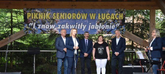 """XVII edycja Pikniku Klubów Seniora w Ługach pn. """"I znów zakwitły jabłonie"""""""